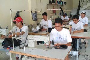 Produksi Topi Bandung